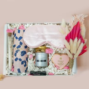 The Sweet Heart-ribbon-and-bow-gift-box