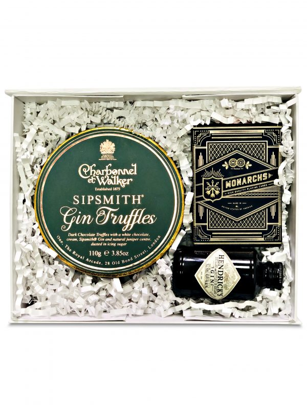 Gin gift box with truffles, mini gin and playing cards